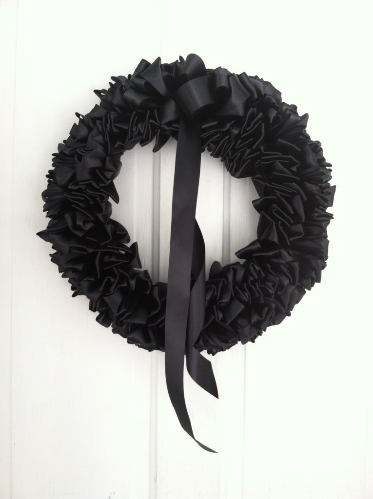 Black wreath, example of style of wreath I hung on Lillian's front door. © Norine Dresser photo collection, 2016.